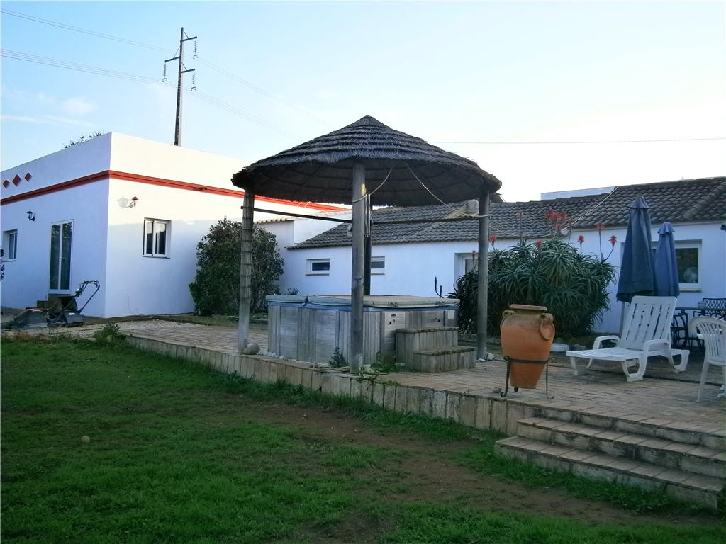 Distressed Property in Porto de Lagos