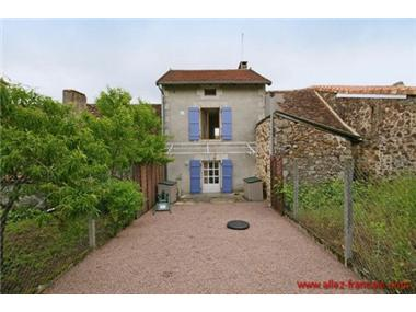 Stone House for sale in Abjat-sur-Bandiat