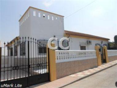 Townhouse for sale in Escoznar