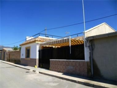 Villa for sale in Pinoso