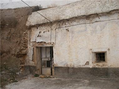 Cave House for sale in Bacor