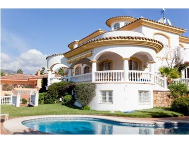 Villa for sale in Torrequebrada