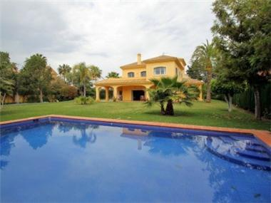 Villa for sale in San Pedro