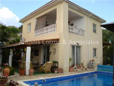 Detached House for sale in Polemi