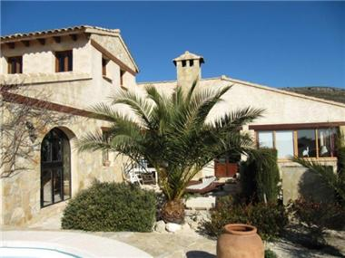 Villa for sale in Relleu
