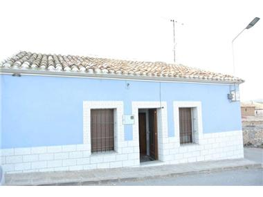 Villa for sale in Yecla