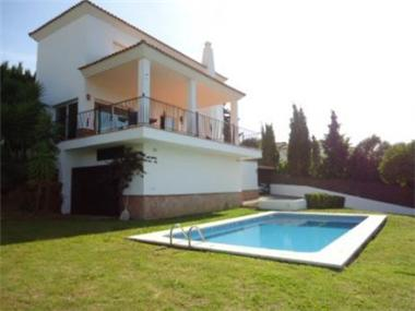 Villa for sale in San Roque