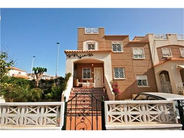 Townhouse for sale in Aguas Nuevas