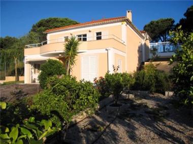 Villa for sale in Sesimbra