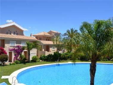 Townhouse for sale in La Duquesa