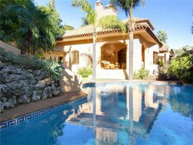 Villa for sale in El Herrojo