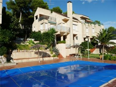 Villa for sale in Castelldefels