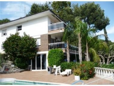 Villa for sale in Castelldefels