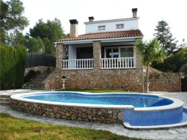 Villa for sale in Begues