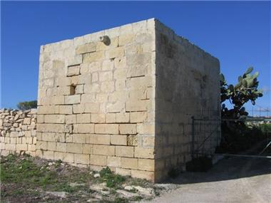 Commercial for sale in Zebbug