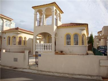 Villa for sale in Benimar