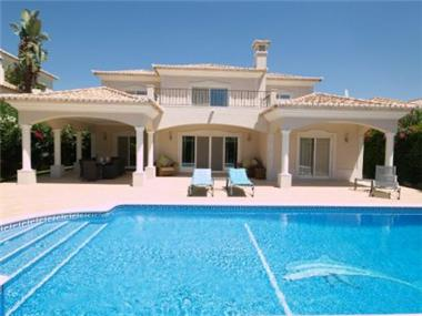 Villa for sale in Vale do Lobo