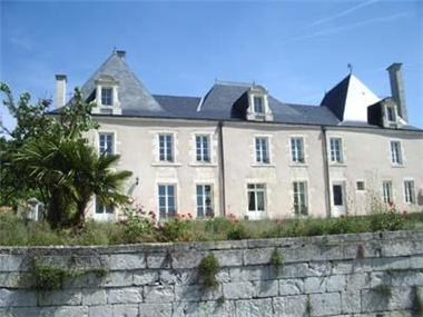 House for sale in Saintes