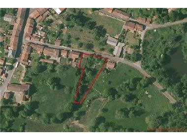 Land for sale in Les Salles-Lavauguyon