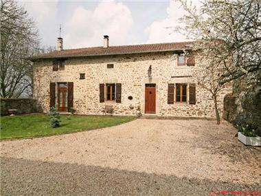 House for sale in Les Salles-Lavauguyon