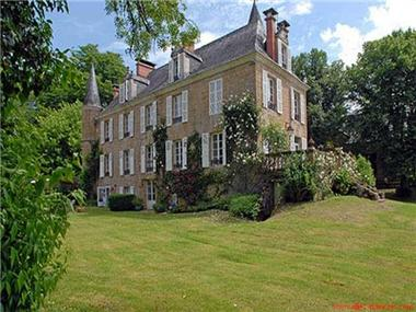 Manor House for sale in Martel