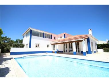 Villa for sale in Obidos