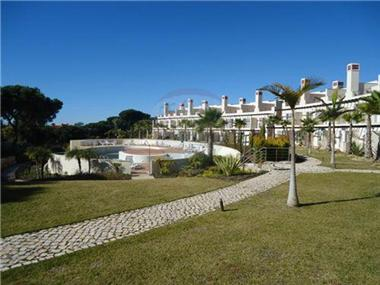 Townhouse for sale in Loule