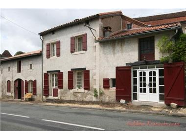 House for sale in Saint-Pierre-de-Cole