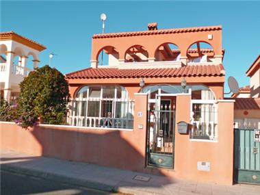Villa for sale in Pinar de Campoverde