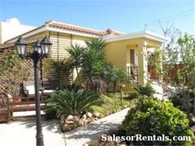 Bungalow for sale in Paralimni