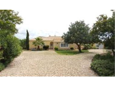 Villa for sale in Carvoeiro