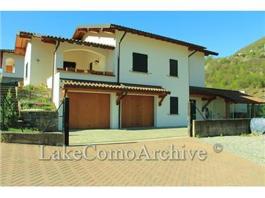 Villa for sale in Osteno