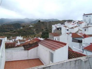 House for sale in Yunquera