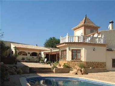 Villa for sale in Manises