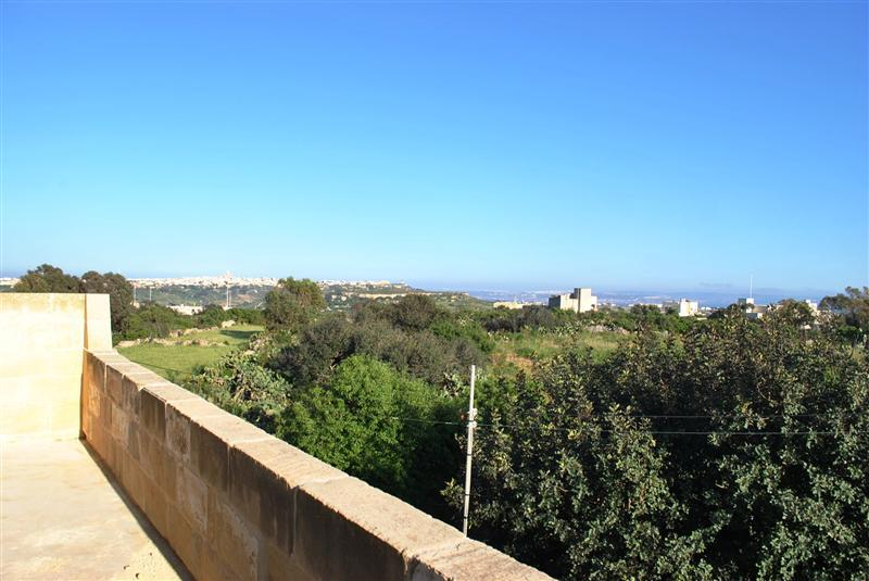 Commercial for sale in Xaghra