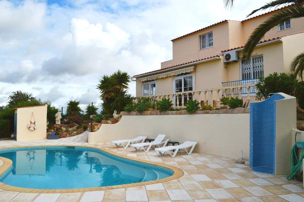 House/Villa for sale in Abutreira