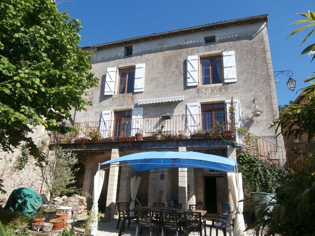 House/Villa for sale in Nanteuil-en-Vallee