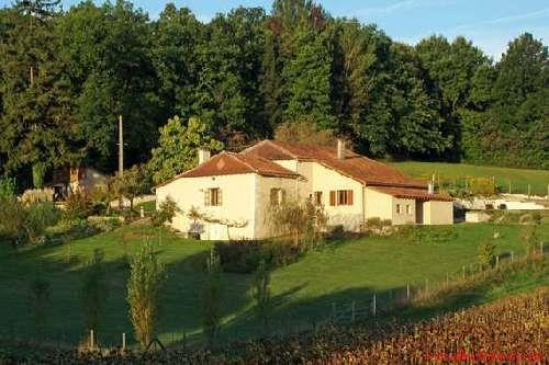 Barn/Stable for sale in Salles-Lavalette