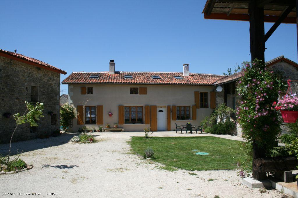 House/Villa for sale in Mansle