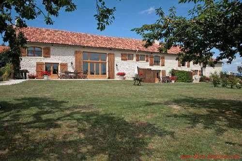 Rural for sale in Blanzac-Porcheresse