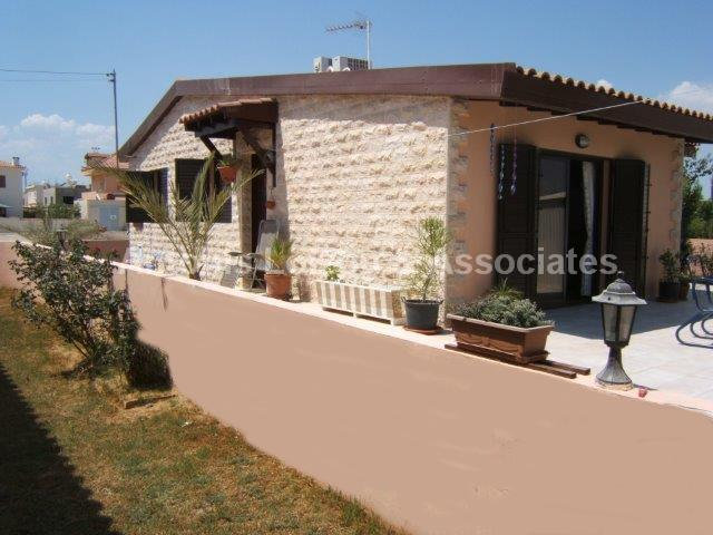 Detached for sale in Livadhia