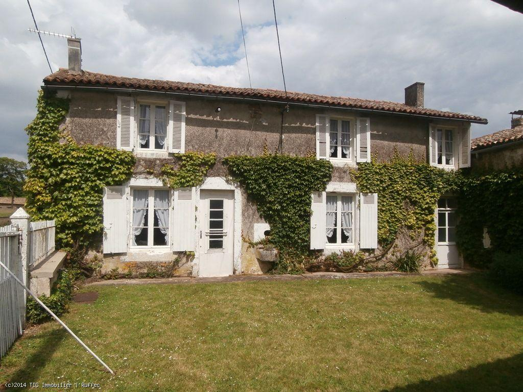 House/Villa for sale in Sauze-Vaussais