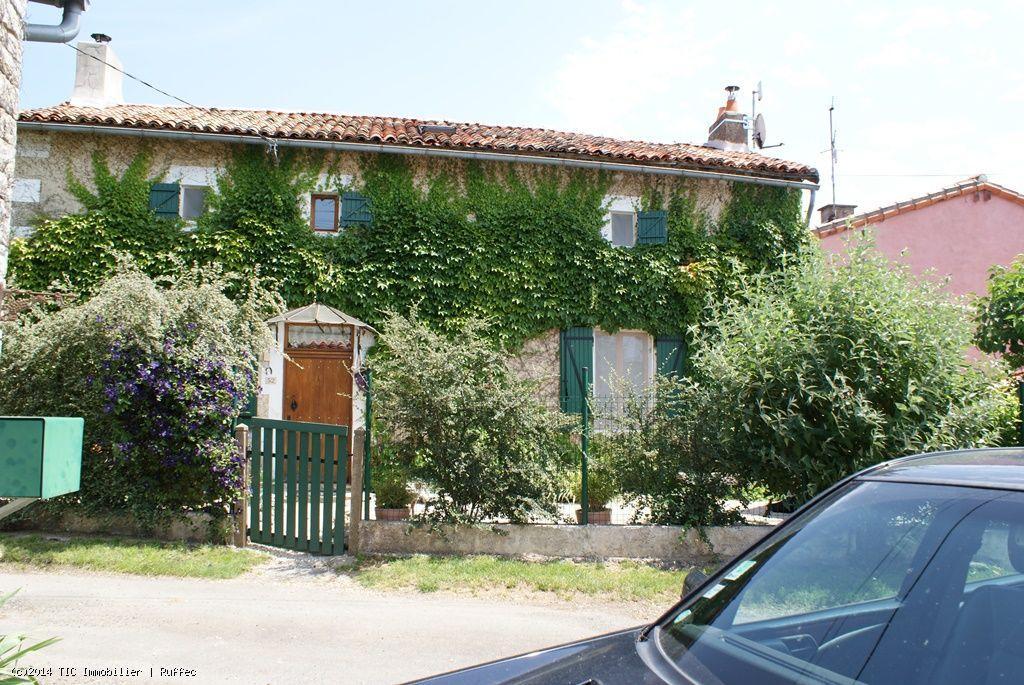 House/Villa for sale in Civray