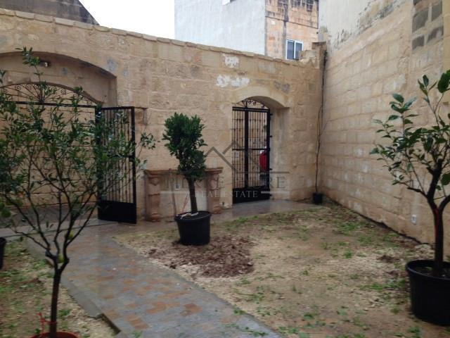 Townhouse for sale in Balzan