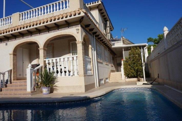 House/Villa for sale in La Mata