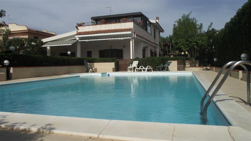 House/Villa for sale in Isola
