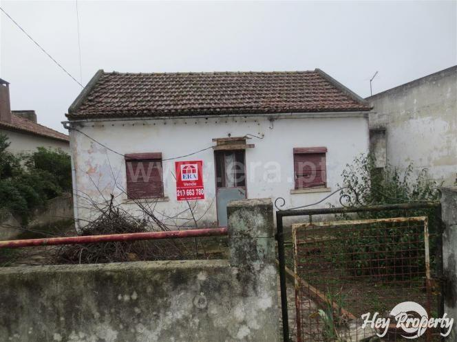 Land/Ruins for sale in Venda do Pinheiro
