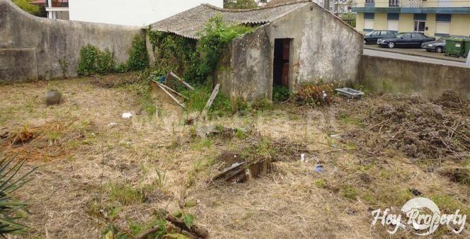 Land/Ruins for sale in Malveira