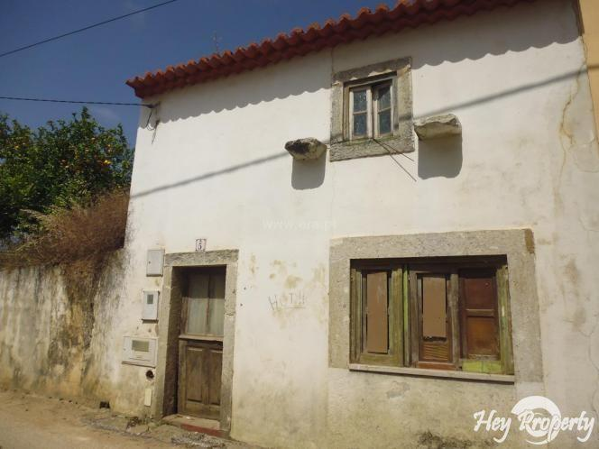 House/Villa for sale in Azueira