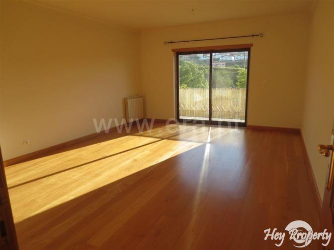 Apartment/Flat for sale in Venda do Pinheiro